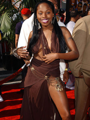 Ebony celebrity Foxy Brown nude and oops pics
